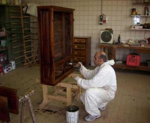 Restauraci n de muebles de madera reformas en alcala de - Restauracion de muebles de madera ...